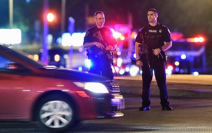 """Боевики """"Исламского государства"""" взяли на себя ответсвенность за стрельбу на выставке карикатур в Техасе"""