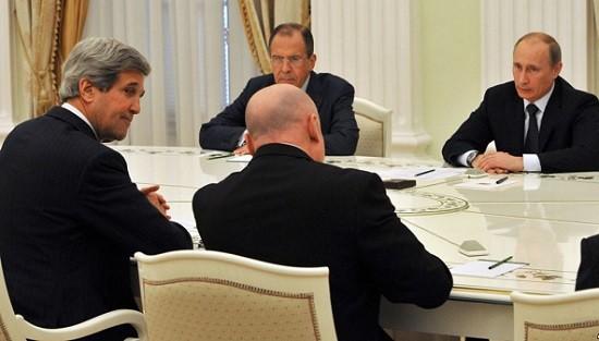 госекретарь США Джон Керри на встрече с президентом России Владимиром Путиным в Сочи