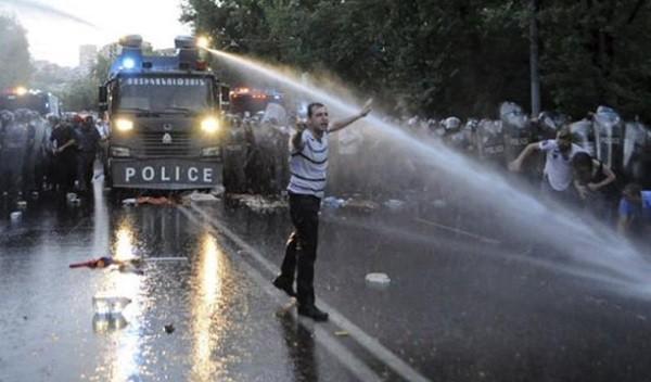 Армянских полисменов тоже наказывают фото 2