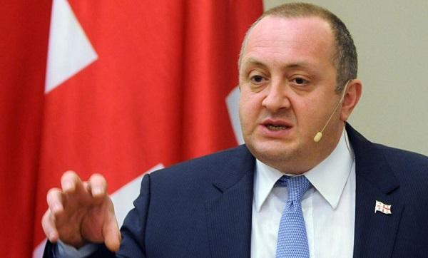 """Грузинский президент обещает вернуть """"оккупированные земли"""""""
