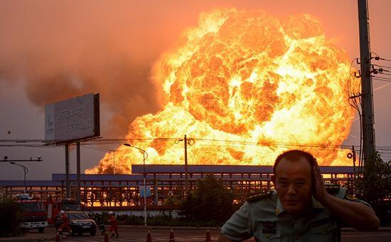 И снова мощный взрыв в Китае и уже на химическом заводе