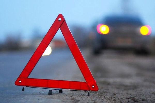 В Чечне из-за лопнувшей шины автомобиля на трассе погибли три человека