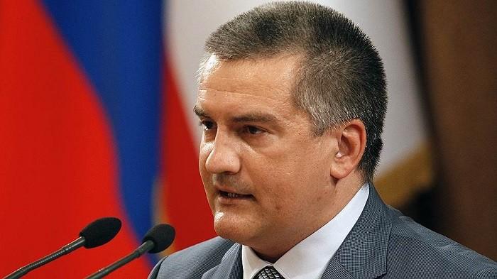Аксенов намерен добиться повышения зарплаты у Москвы фото 2