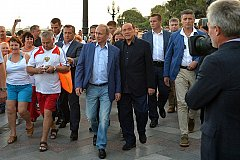 Путин и Берлускони раздражают официальный Киев