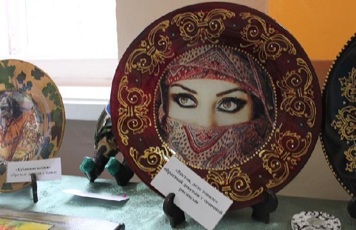 «Эти глаза напротив…» на выставке декоративно-прикладного творчества