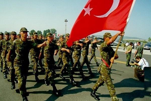 Несмотря на чистки после путча турецкая армия по-прежнему сильна