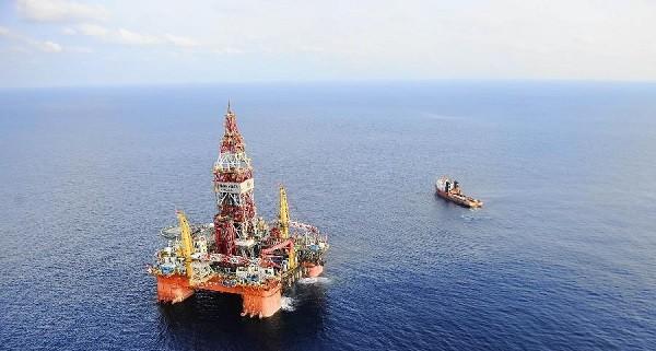 Первая китайская глубоководная буровая платформа в ЮКМ, Фото: russian.people.com.cn