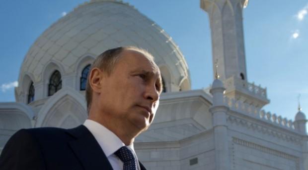 Президент России поздравил мусульман с праздником Курбан-байрам