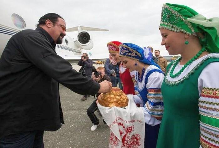 Стивен Сигал на Сахалине. Фото:  sakhalinmedia.ru