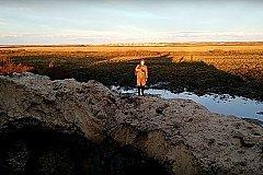 Очень глубокая газовая воронка появилась на Ямале
