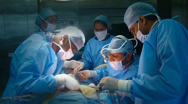 Два искусственных сердца пересадили пациентке в Новосибирске