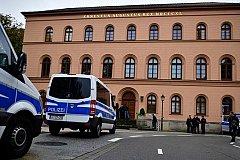 Главного вербовщика ИГ судят в Германии
