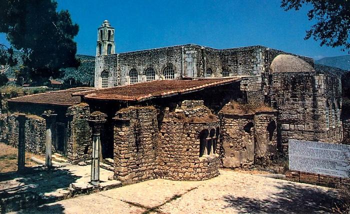 В Турции обнаружена могила Николая Чудотворца
