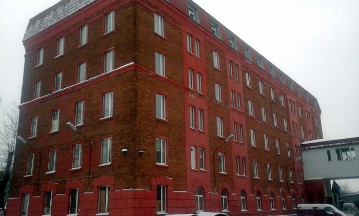 Директор фабрики «Меньшевик» убил человека и взял заложников