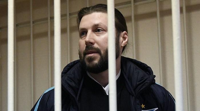 Глеб Грозовский во время оглашения приговора в суде. Фото:  RT