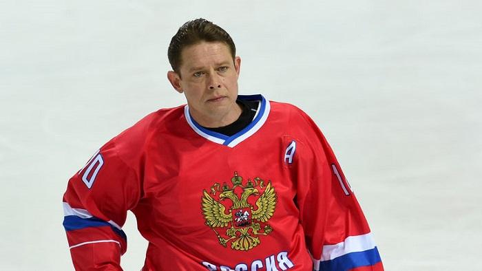 Буре поздравил хоккеистов и отметил, что политика не должна мешать спорту