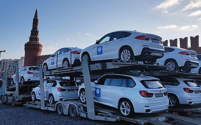 Подарочные BMW для олимпийцев уже на Красной площади