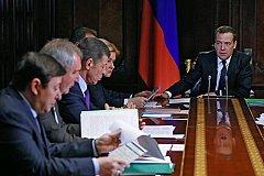 Медведев не собирается отступать от политики повышения пенсионного возраста