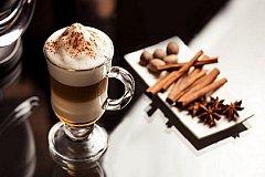 Наука считает кофе-латте любимым напитком либералов