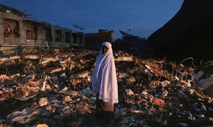 Землетрясение в Индонезии унесло почти сто жизней