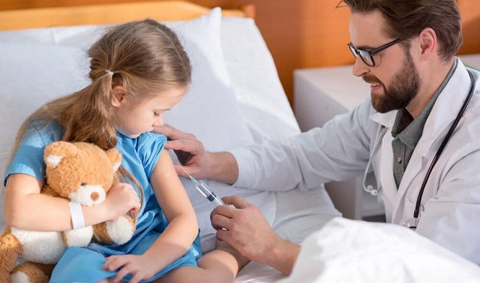 США теперь обвиняют Россию в троллинге на тему прививок
