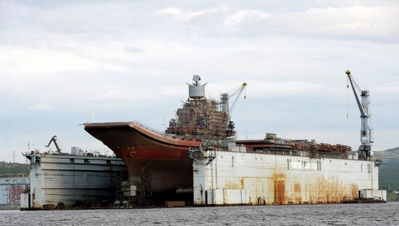 ЧП в Мурманске - затонул док, где ремонтировали «Адмирала Кузнецова»