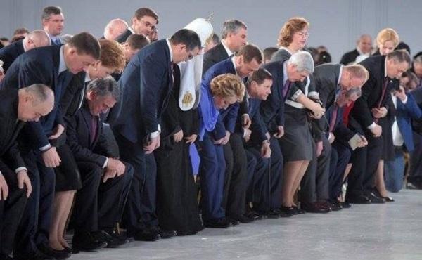 Лакейский патриотизм кремлевской челяди – он ли нас спасет?