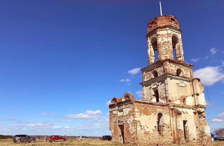 Стриганское. Церковь Троицы Живоначальной. Фото Владислава Деревянных