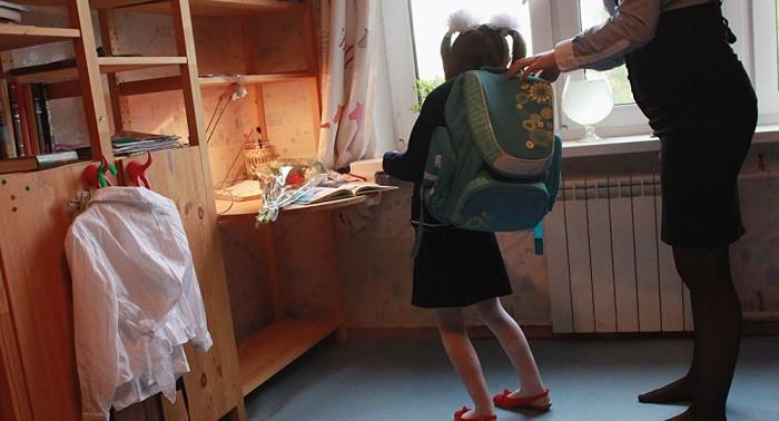 Школьников в России хотят избавить от тяжелых ранцев фото 2