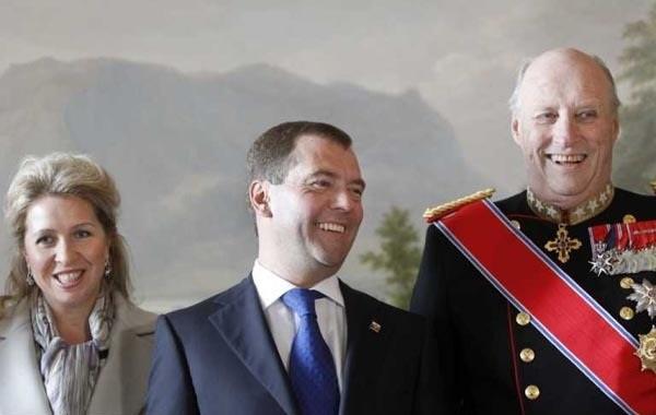 Дмитрию Медведеву в Норвегии устроили королевский прием
