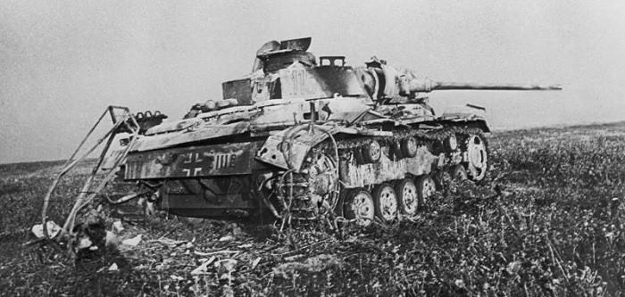 Немецкий танк Pz.Kpfw. III, подбитый советскими войсками в районе станции Прохоровка. Источник фотографий: http://waralbum.ru