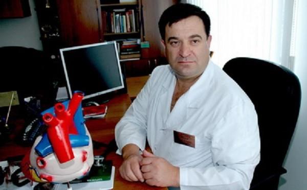 Асланов Ахмед Дзонович – доктор медицинских наук, профессор, заведующий  кафедры госпитальной хирургии.