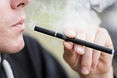 Электронные сигареты подводят под антитабачный закон