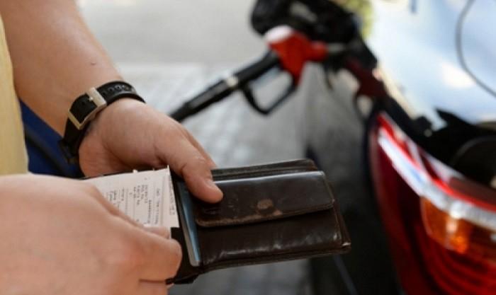 Бензин в  России продолжает дорожать фото 2