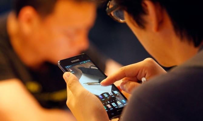Ученые заявили о крайней вредности смартфонов для мозга фото 3