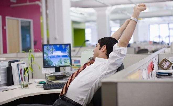 Медведев хочет ввести 4-дневную рабочую неделю фото 2