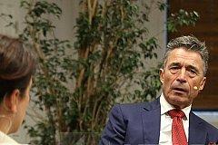Расмуссен считает, Грузию можно принять в НАТО и без Абхазии с Южной Осетией