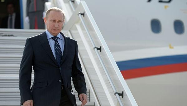 В Дагестан прилетел Владимир Путин фото 2