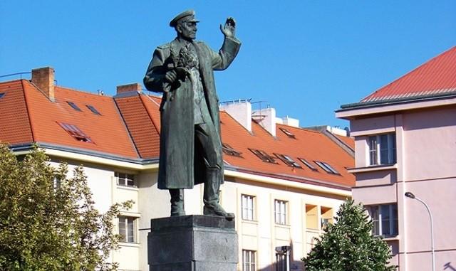Памятник маршалу Коневу в Праге. Фото: vinegret.cz