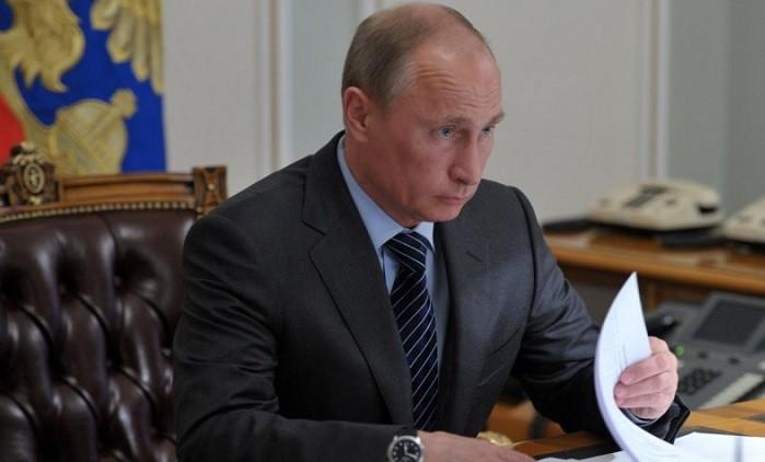 По указу Путина повышены зарплаты работникам МИД РФ фото 2