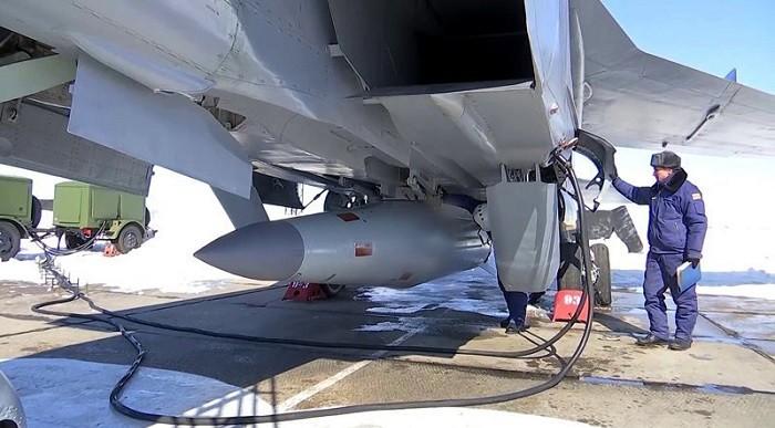 Гиперзвуковая ракета Х-47М2 «Кинжал» на МиГ-31
