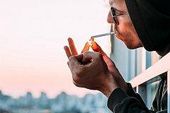 Запрещение курения на балконах России отменяется