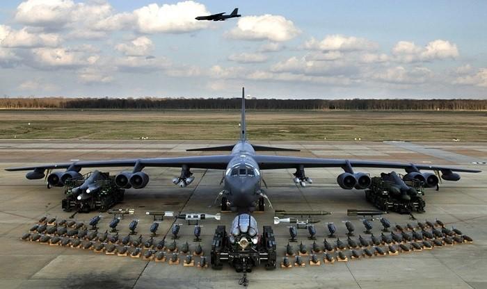B-52H с набором вооружения