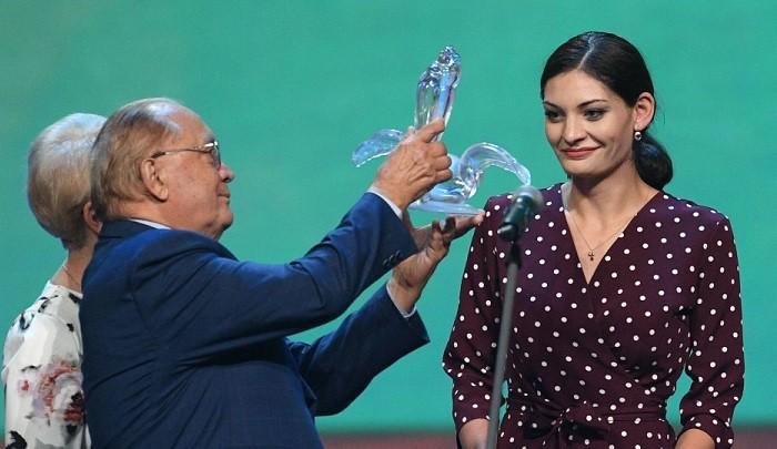 Награждение Ларисы Арачашвили. Фото: sputnik-georgia.ru