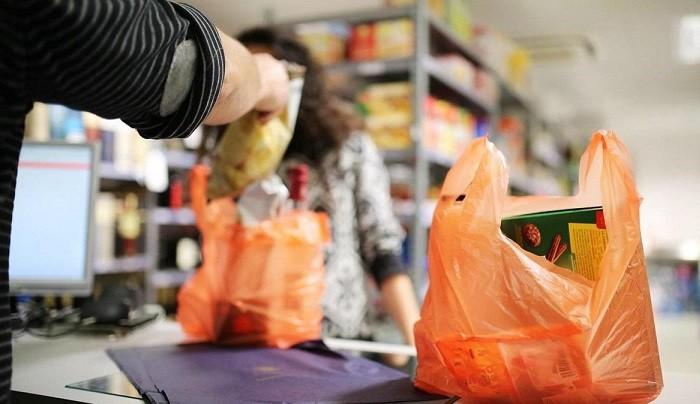 В России запретят пластиковые пакеты фото 2