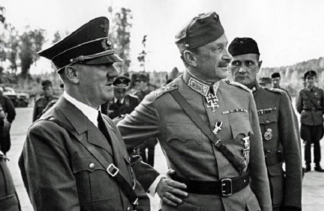Адольф Гитлер и Карл Маннергейм