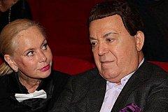 Нелли Кобзон подала иск в суд на должника её мужа