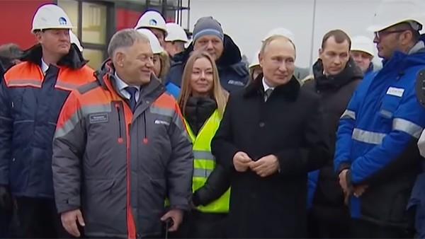 Владимир Путин на открытии трассы М-11