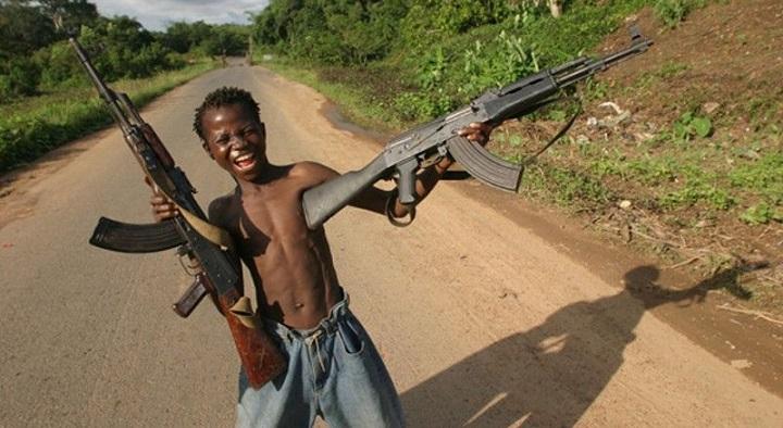 Габон бесплатно получил от России крупную партию стрелкового оружия