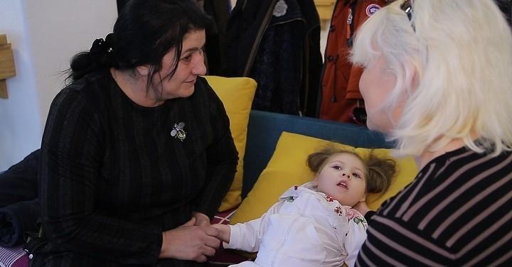 Зумрият Резаханова приехала в «Дом Радужного Детства» снова фото 4